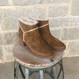 Ugg shearling bootie size 8